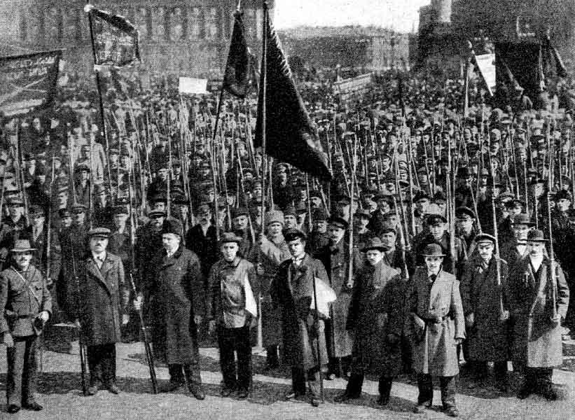 Массовый митинг по случаю свержения самодержавия. г. Барнаул, 1917 год.